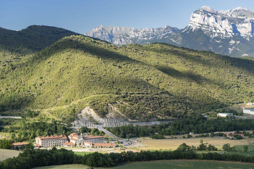Viaje con amigas rutas senderistas hotel Barceló Monasterio de Boltaña (Huesca)