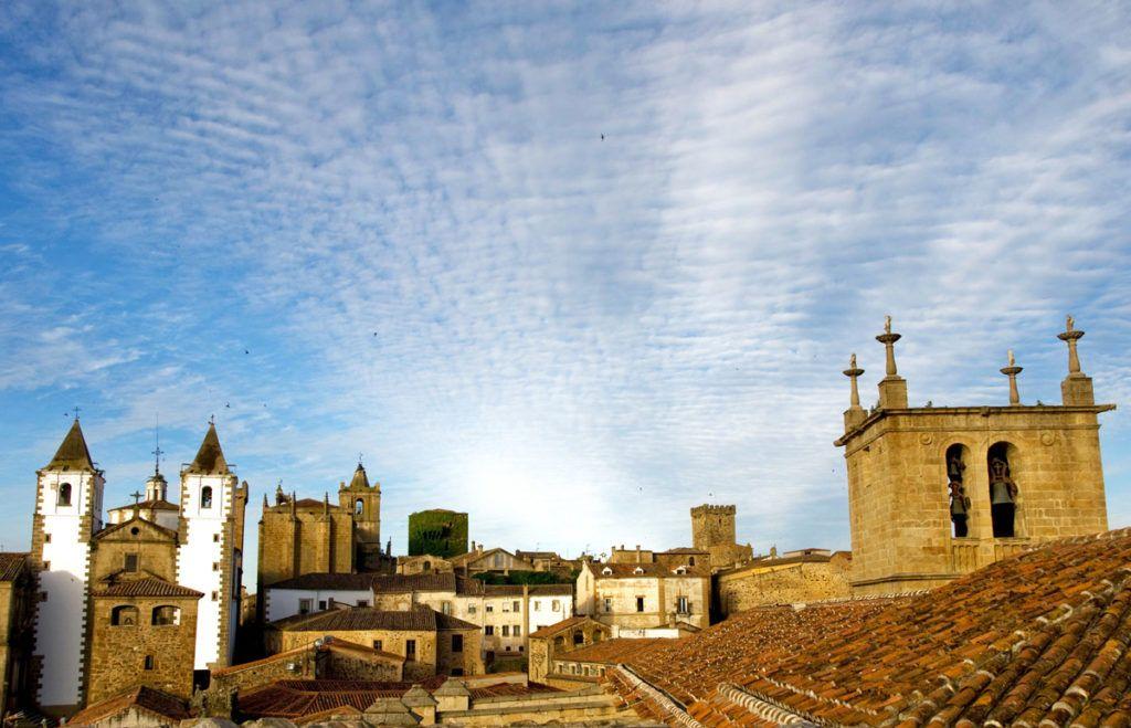 Mujeres que viajan solas a Cáceres