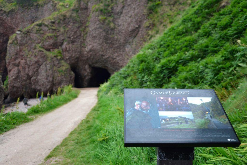 Viajes para mujeres en Irlanda del Norte: Cushendun Caves