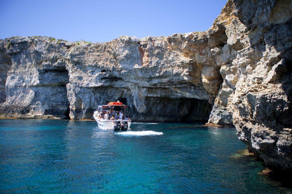 Paseos en barco en la isla de Gozo en viajes con amigas