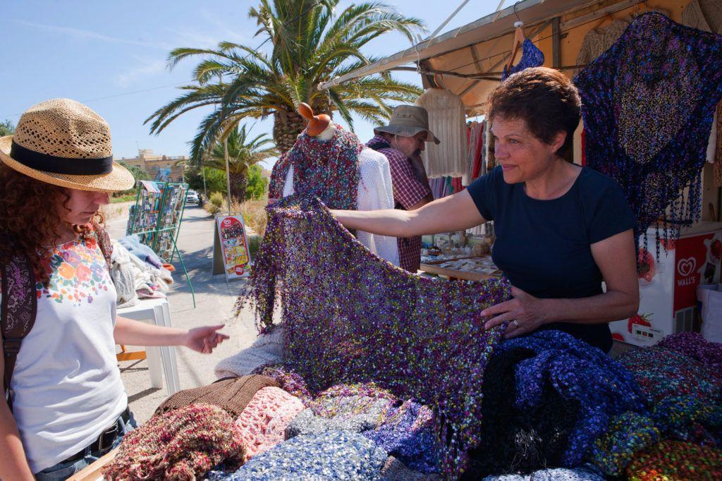 Viaje a Gozo en Etheria magazine: compras de artesanía