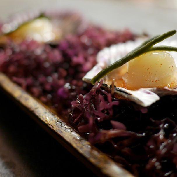 La carta de la taberna Arallo ofrece comida sencilla y deliciosa para cenas con amigas