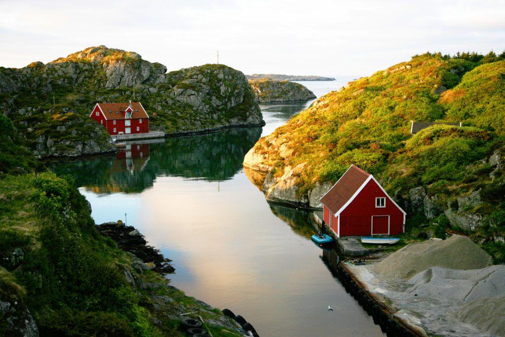 En la isla de Rovaer se encuentra el Hotel Kultur -Hotell Noruega