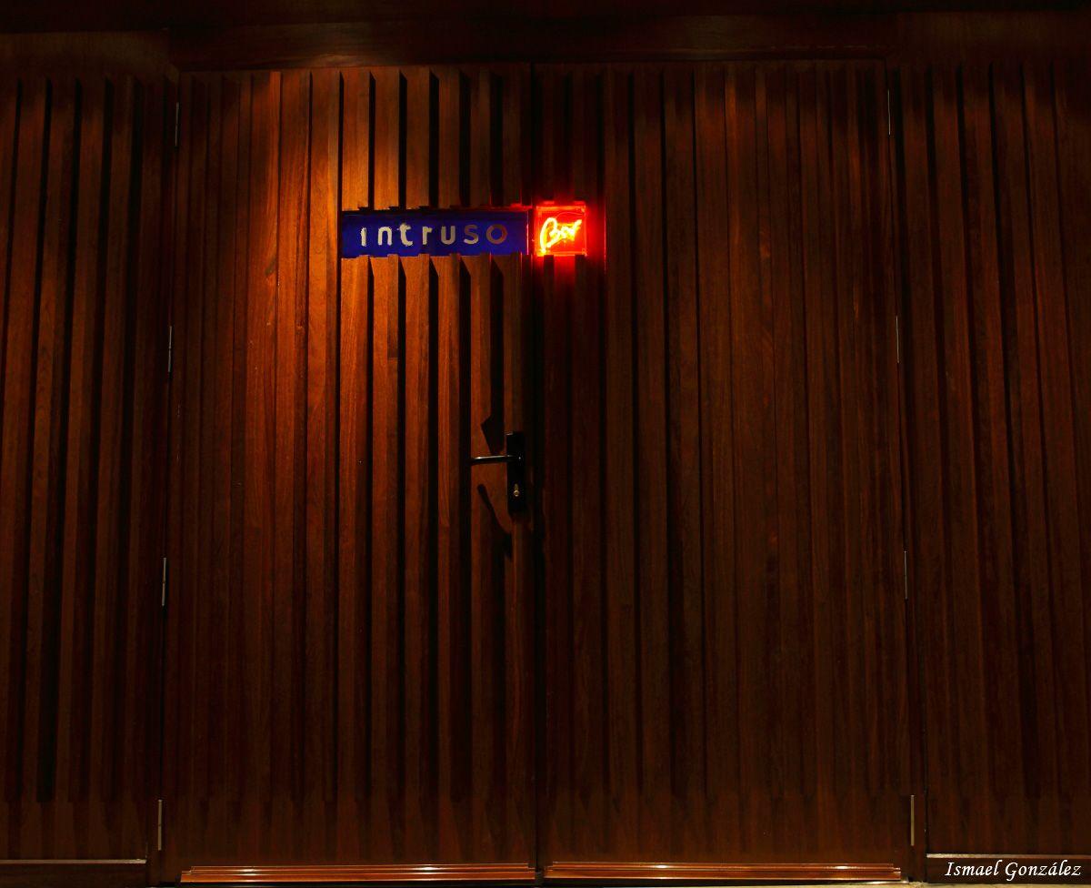 Intruso bar clandestino de Madrid