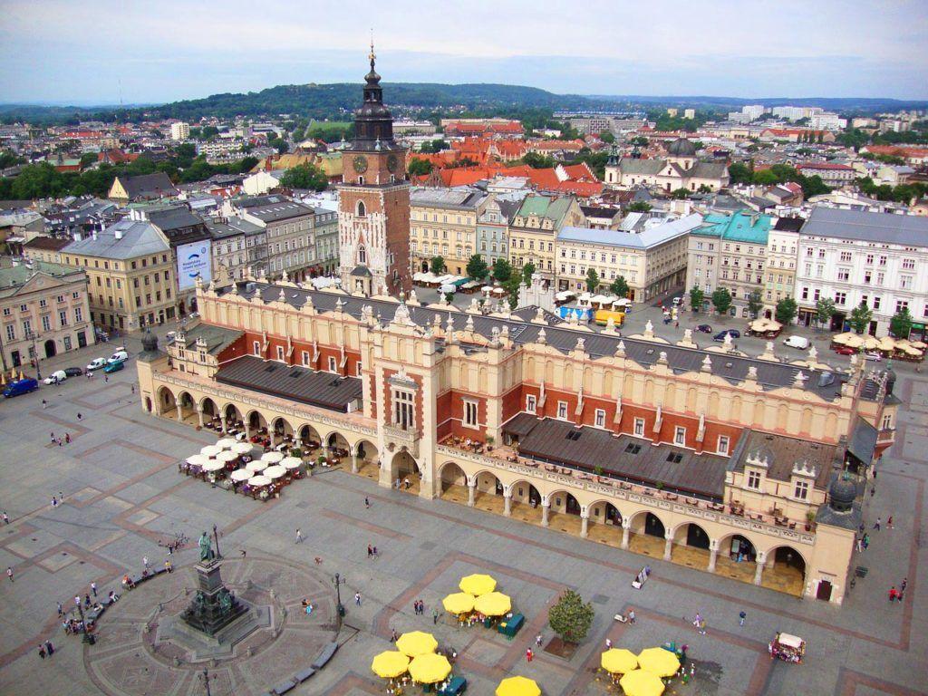Cracovia fin de semana plaza del mercado mujeres viajes