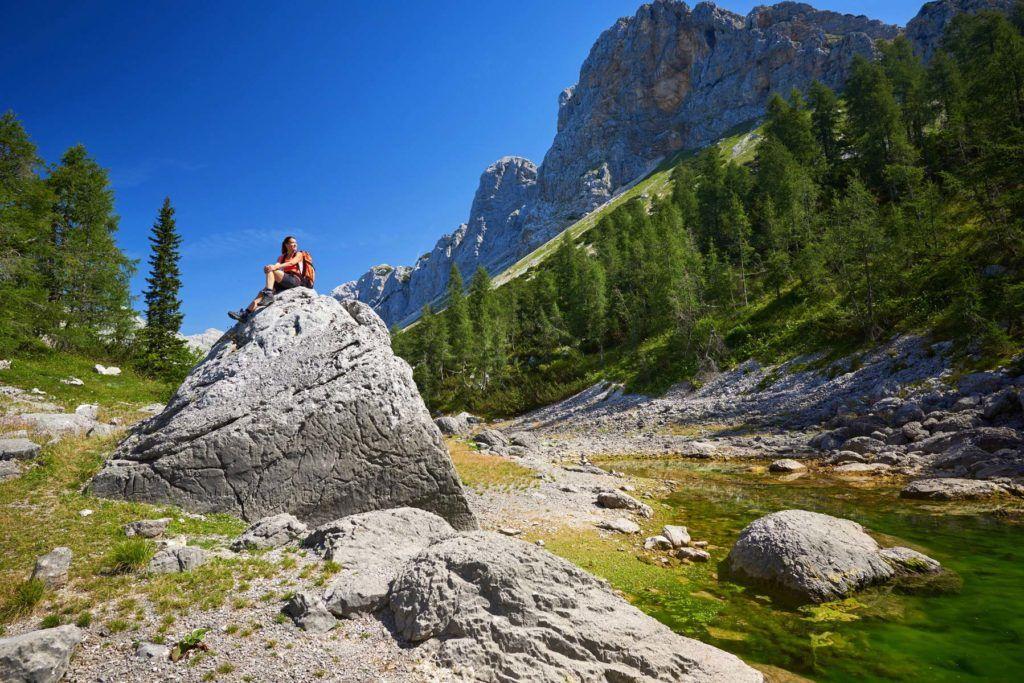 ecoturismo triglav eslovenia caminata mujeres