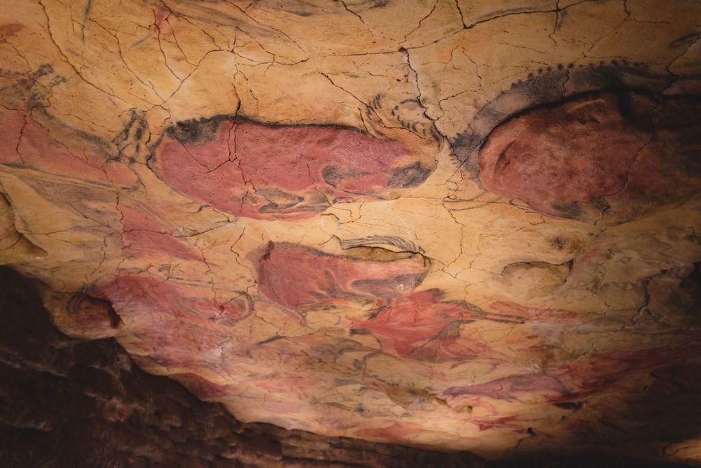 Cantabria prehistoria arte niños familia
