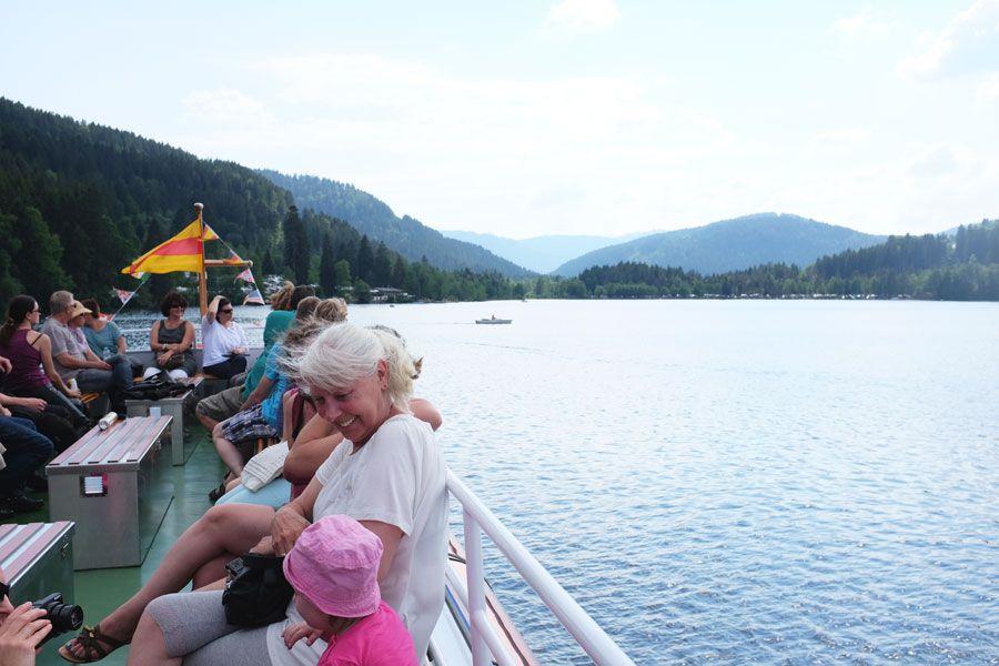 Paseo en barco por el lago Titisee.