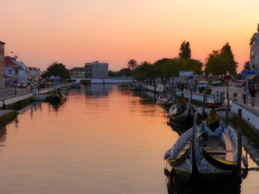 viaje aveiro fin de semana moliceiros canales