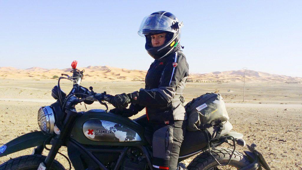 alicia sornosa viajera etheria viajes moto