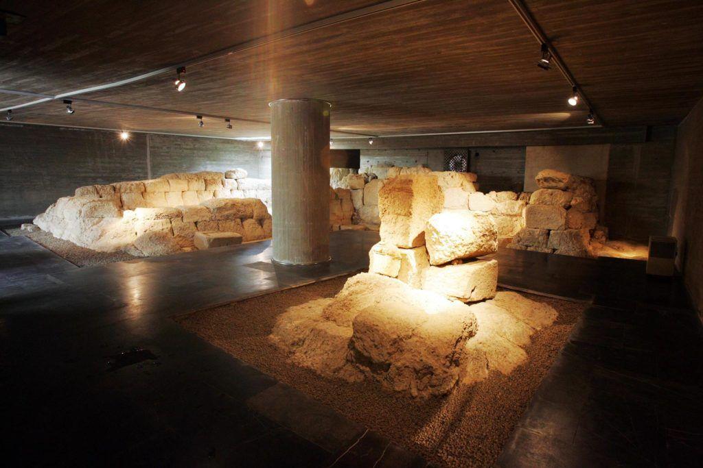 viaje leon, cripta arqueologica