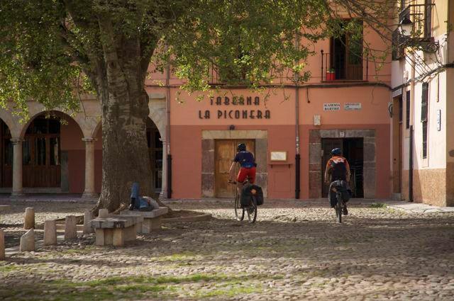 plaza del grano, viaje a leon