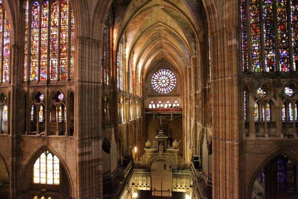 viaje a leon, visita catedral