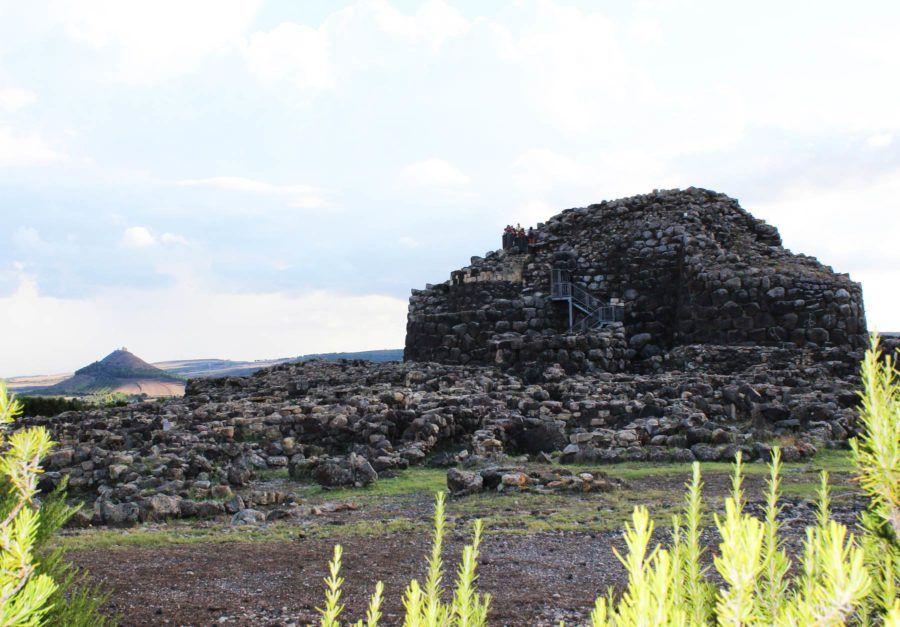 viaje mujeres cerdena arqueologia