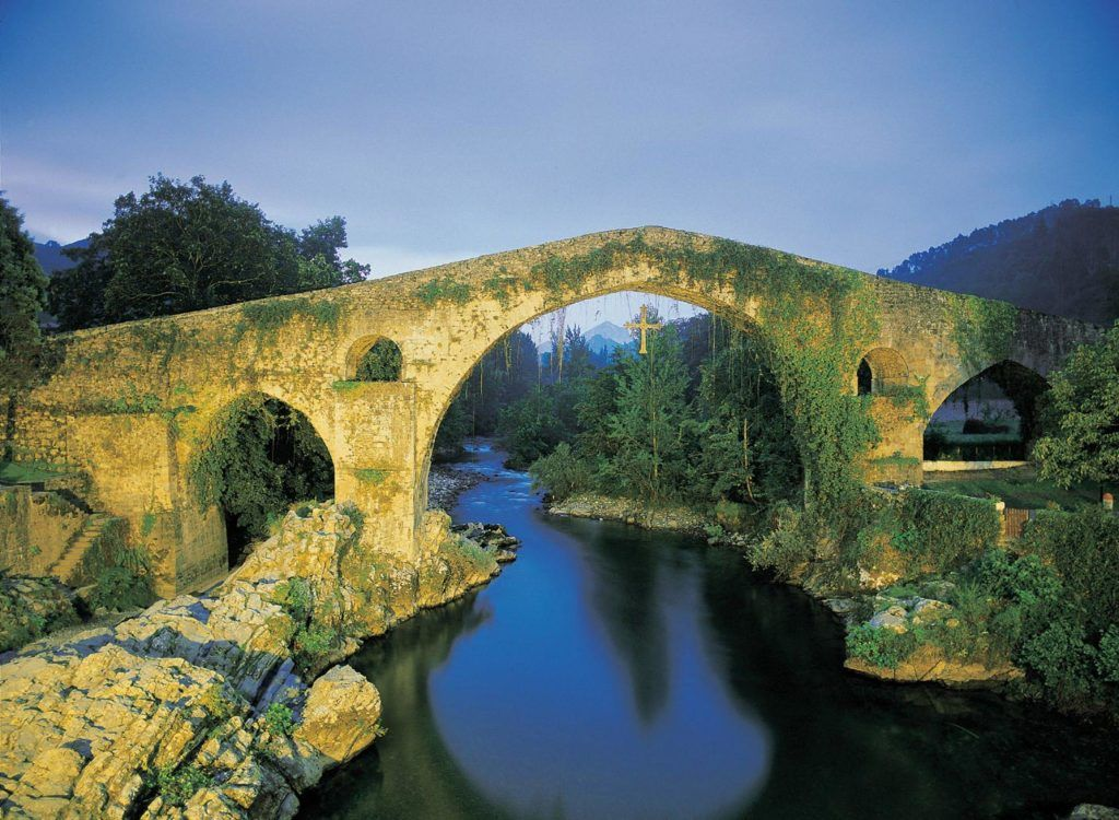 puente romano cangas de onis asturias