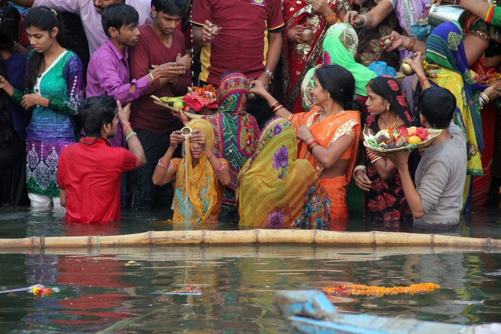 que ver en benares, visitas india mujeres