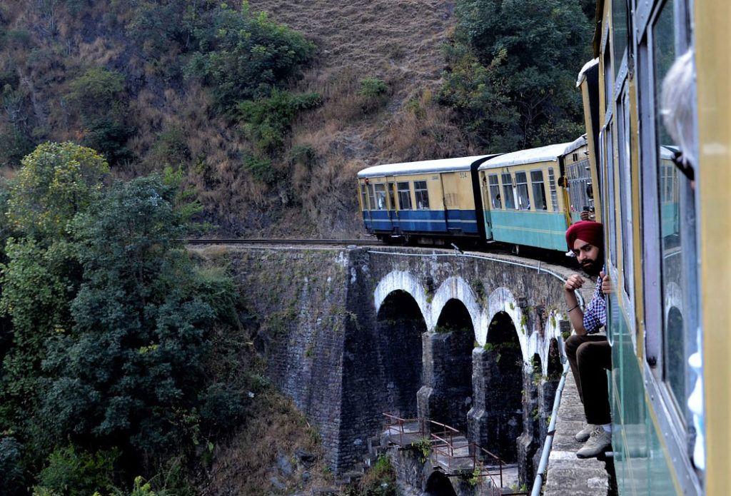 trenes en india, viajes mujeres india