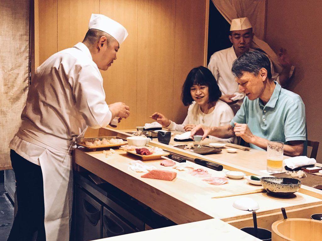 Restaurante Sushi Iwa, viaje tokio, comer platos japoneses