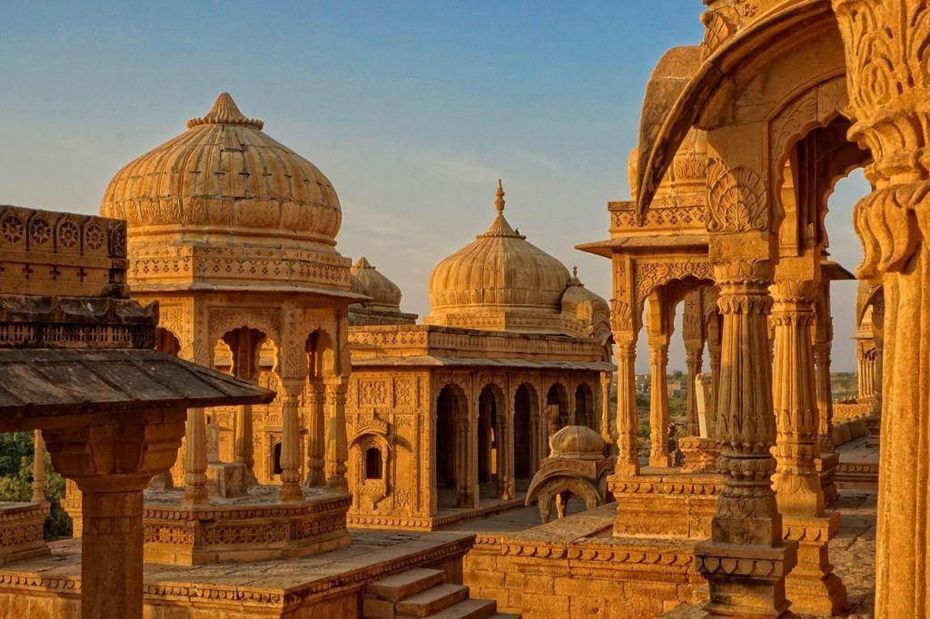 visitar jaisalmer, visita bada bagh, viajar sola a india, viajes mujeres india, que ver en india