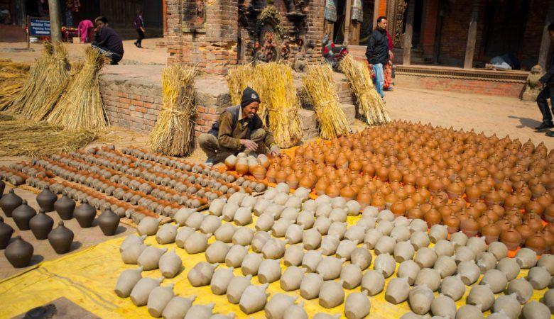 La alfarería es la principal actividad en Bhaktapur.