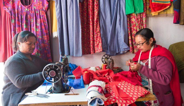 Costureras de Bhaktapur. © P.G.