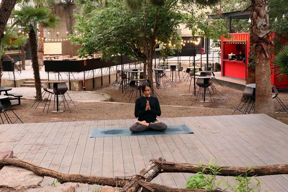 valencia con amigas, viaje con amigas, convent carmen yoga en valencia