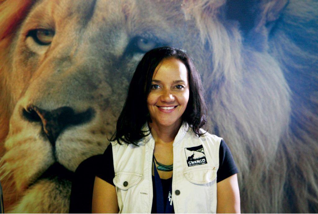 Parque Nacional de Hwange, elizabeth pasalk, viajes mujeres zimbabue, mujeres etheria