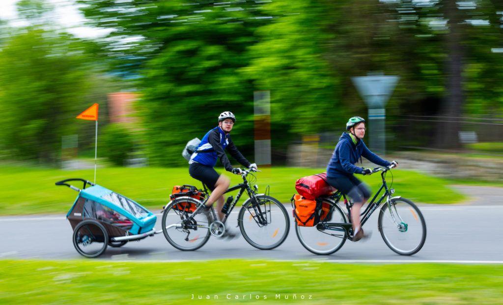 viajes para mujeres en republica checa, que ver en bohemia suiza, Biking, Bohemian Switzerland National Park, Czech Republic, Europe