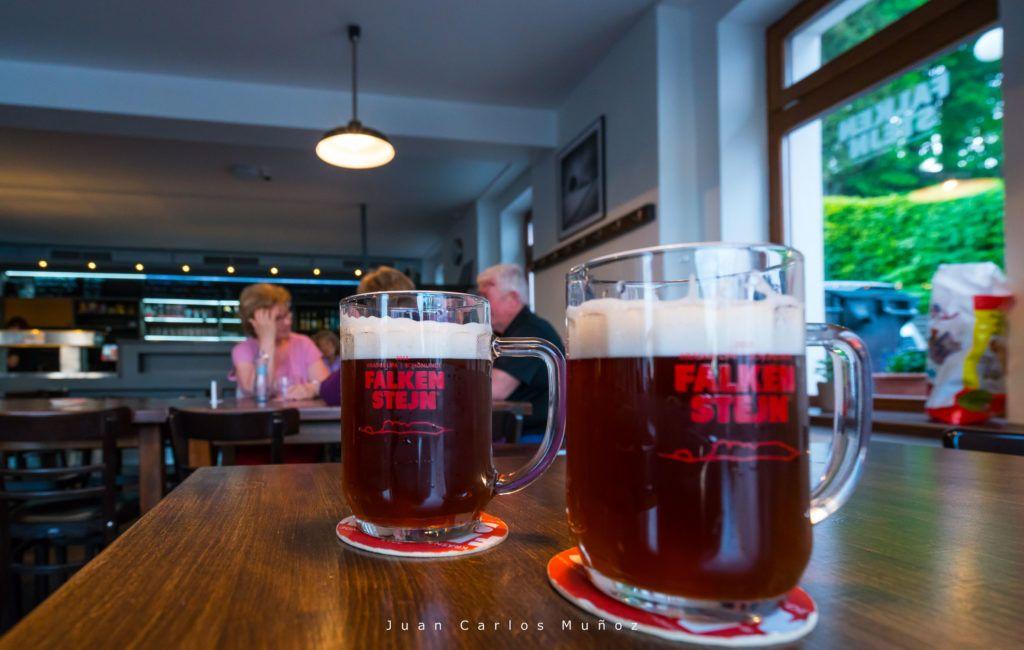 viajes mujeres republica checa, cerveza en republica checa, cerveza en parque nacional suiza