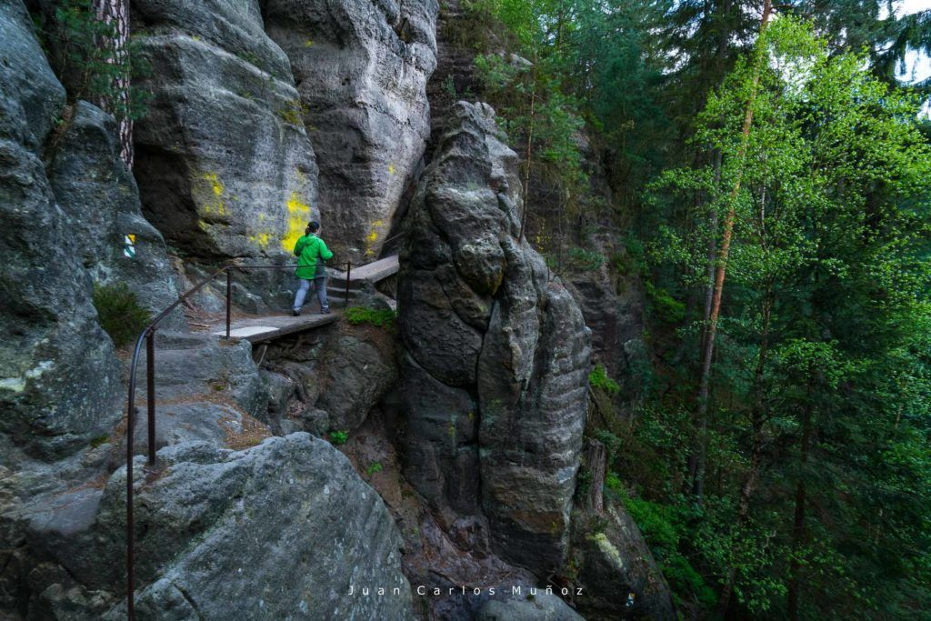 viajes mujeres republica checa, que ver en bohemia suiza, Footpaths, Bohemian Switzerland National Park, Czech Republic, Europe
