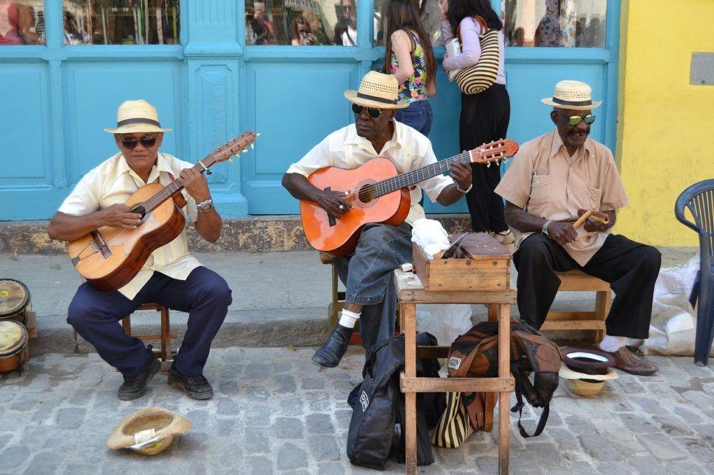 mujeres en cuba, viaje de amigas en cuba, guia viaje mujeres a cuba