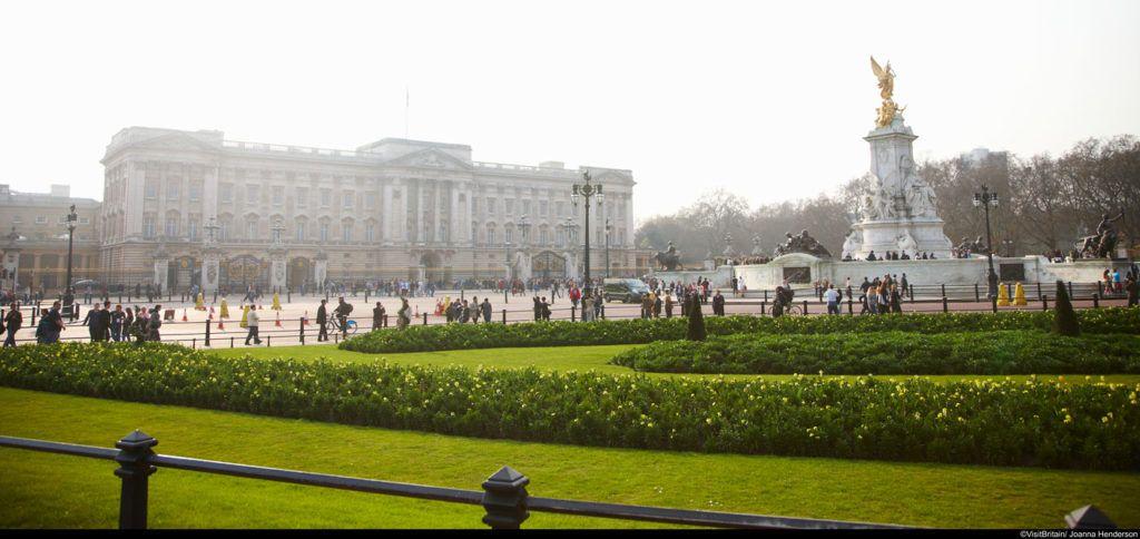 viaje de cine, ruta Mary Poppins en londres, Buckingham Palace