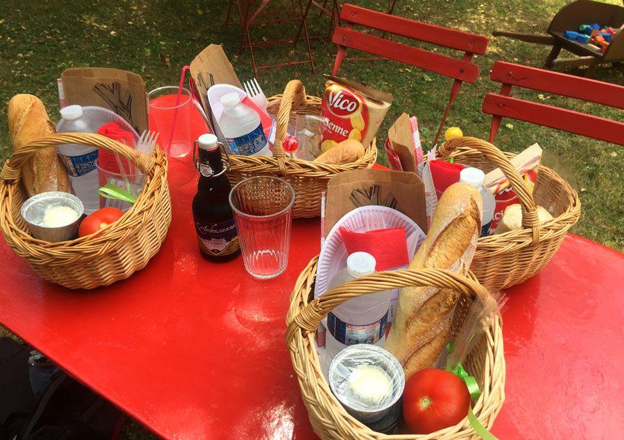 Picnic con productos locales que preparan en el café de la pagoda de Chanteloup.