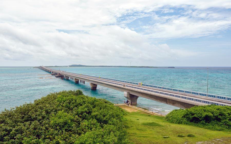 puente okinawa, viaje japon,