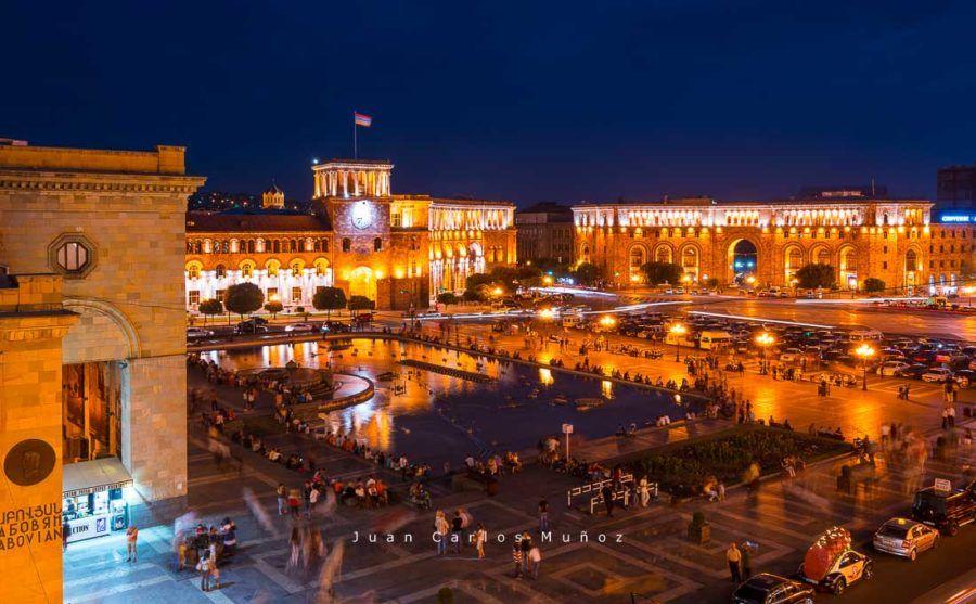 viaje Armenia, Republic Square at night, Yerevan City, Armenia, Middle East