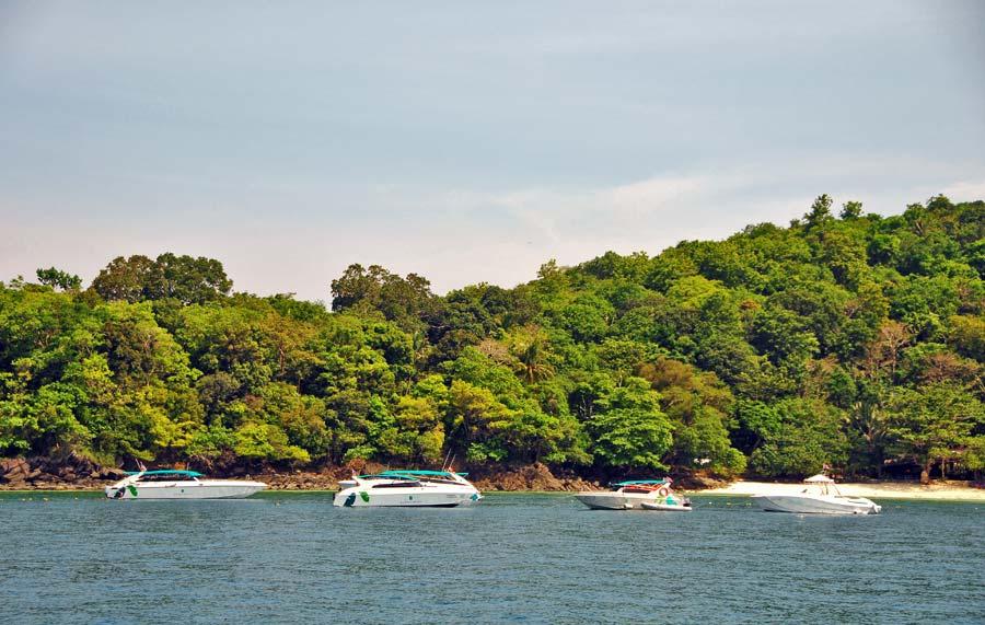 coral island, viaje a phuket, tailandia con amigas
