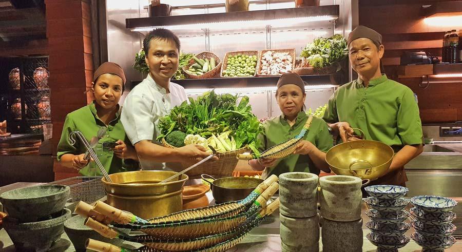 rosewood hotel, viaje phuket, tailandia con amigas