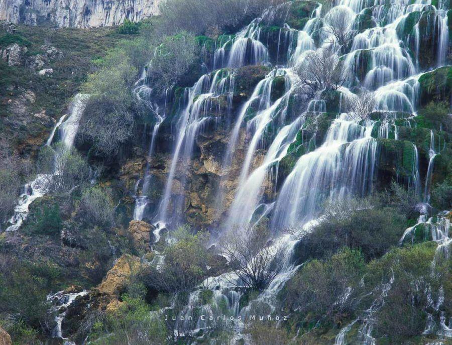 cascada el tobazo, villaescusa de ebro, valderredible, viaje cantabria