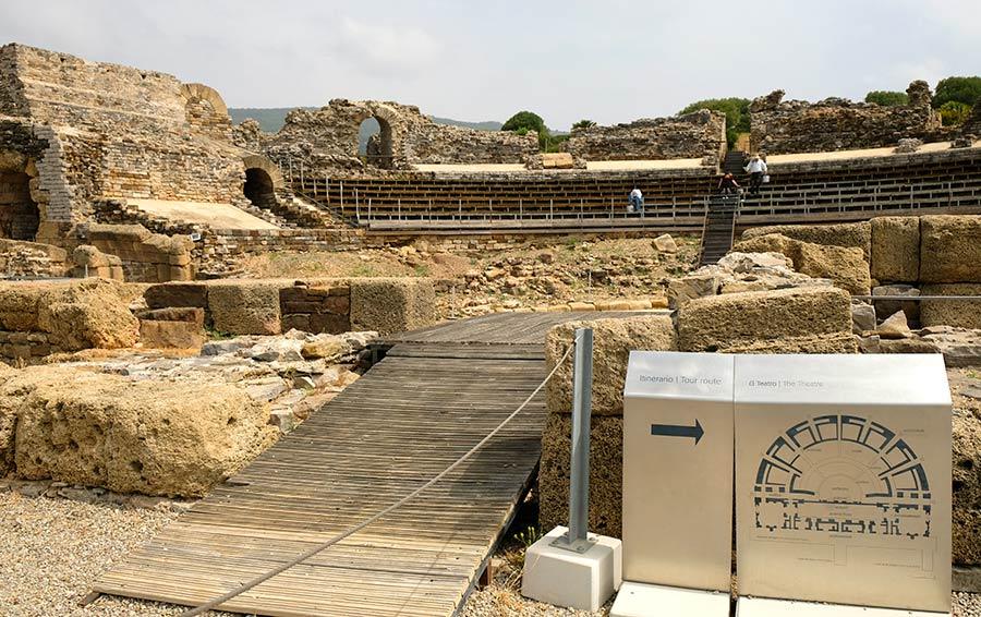 teatro baelo claudia, ruinas romanas bolonia