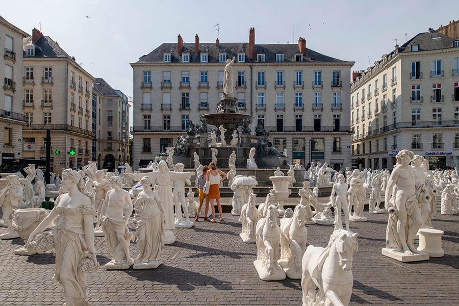 plaza real nantes, arte en nantes