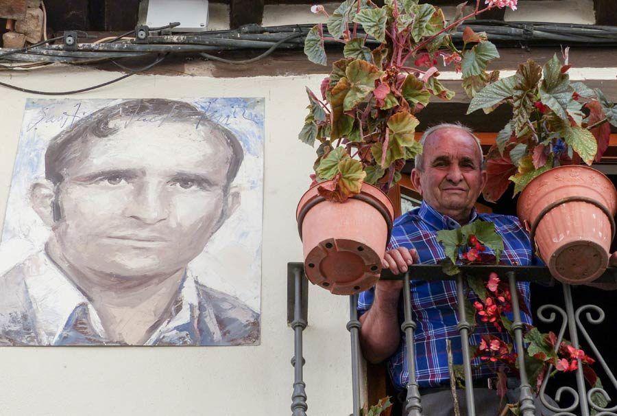 vecino de mogarraz, retrato de santiago pacho, pueblo de retratos salamanca