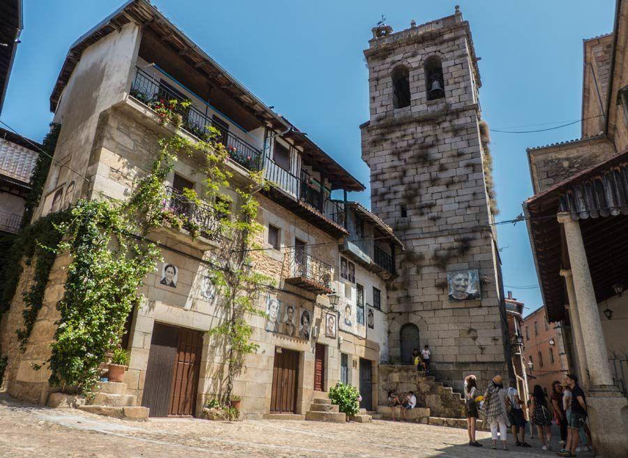 plaza torre del campanil, mogarraz, pueblo retratos salamanca