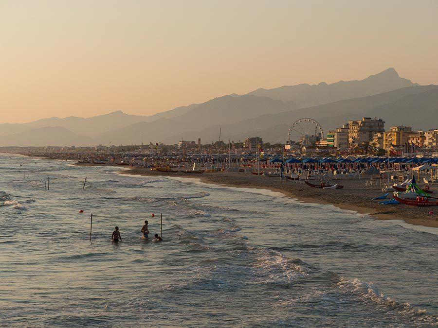 Playa de Viareggio, viaje lucca, viaje italia etheria magazine