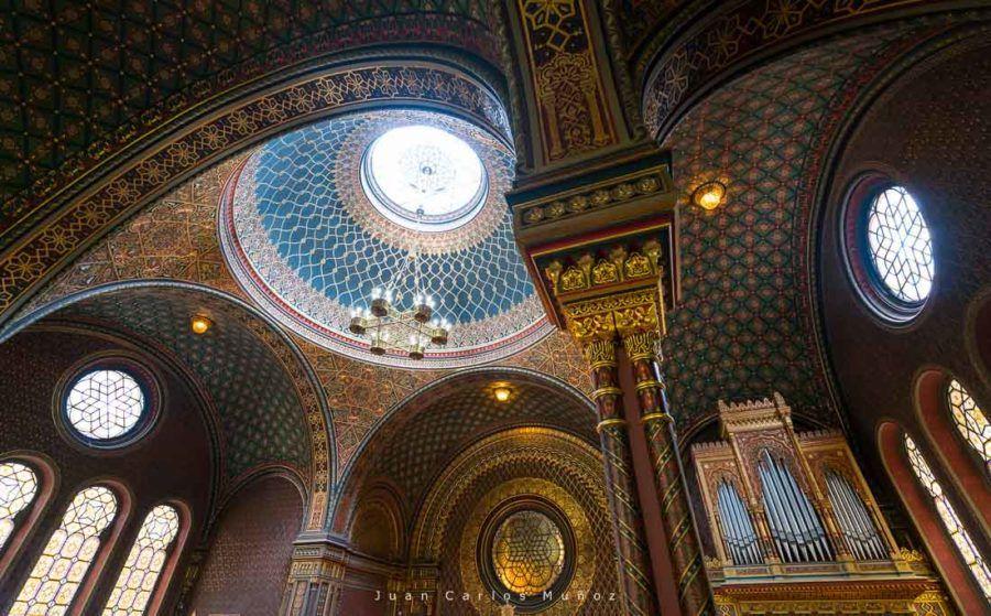 The Spanish Synagogue, Jewish Quarter, Josefov, Prague, Czech Republic, Europe