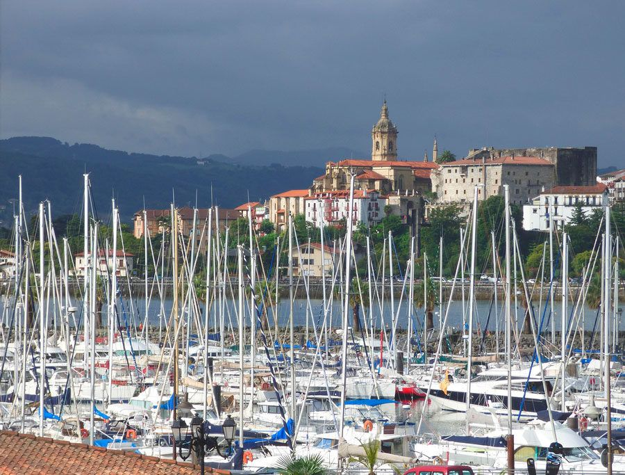pintxos en San Sebastián, viaje a la costa vasca, fin de semana en Donosti