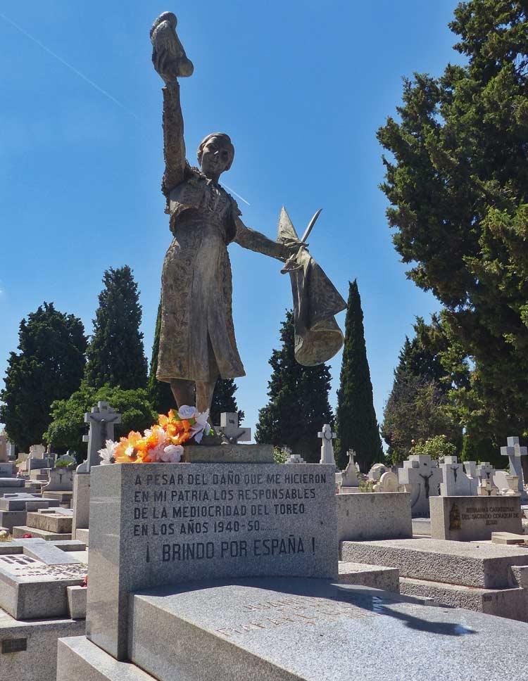 cementerio almudena, tumba torera