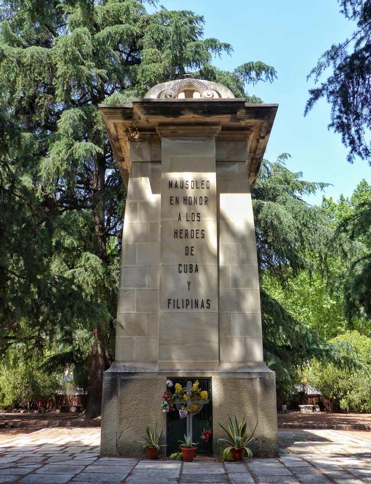 monumento heroes filipinas, cementerio almudena, ruta cementerio