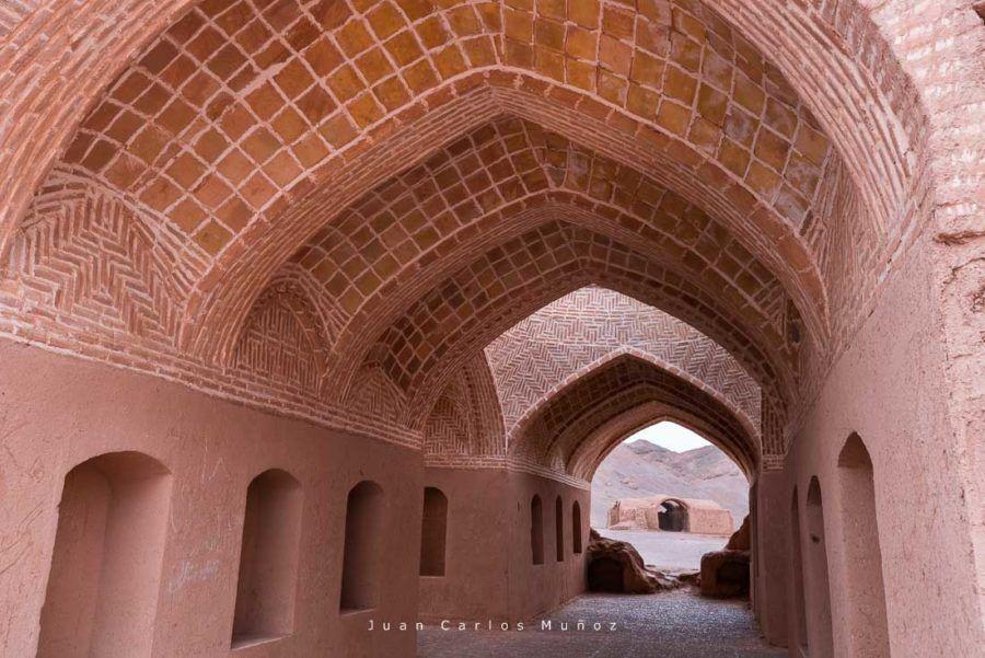 torres del silencio, religion zoroastrica, viaje mujeres iran