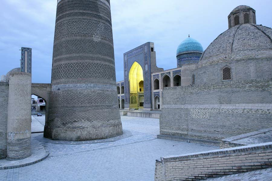 viaje mujeres uzbekistan, viaje bukhara