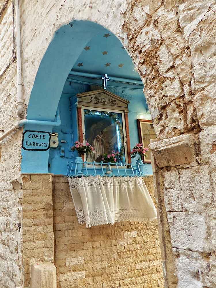 altar callejero de Bari, viaje apuglia